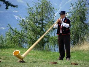 музыкальный инструмент рог